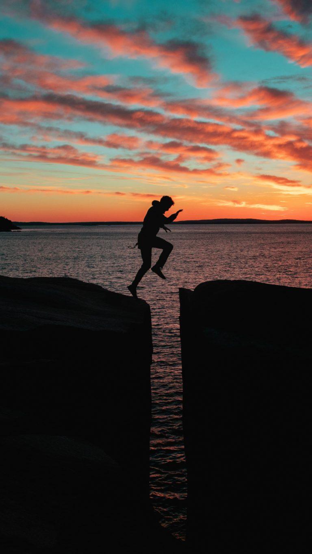 Silhouette Man Jump Sea Wallpaper 2160x3840 768x1365