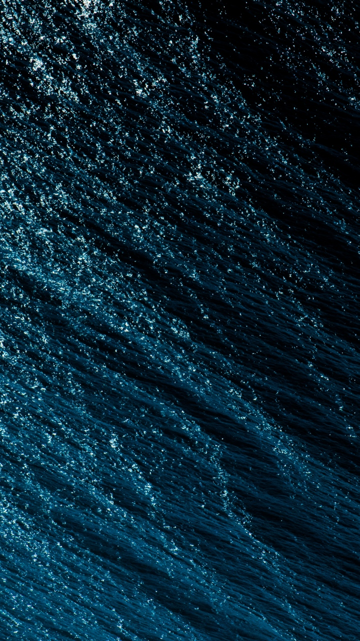 Water Surface Spray Wallpaper 720x1280