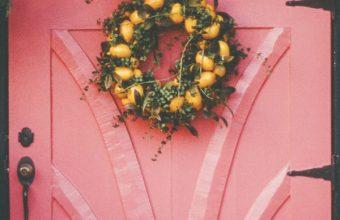 Wreath Door Decoration Wallpaper 720x1280 340x220