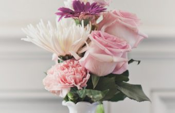 Bouquet Vase Flowers Wallpaper 1440x2560 340x220