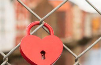 Lock Heart Mesh Blur Wallpaper 1440x2560 340x220