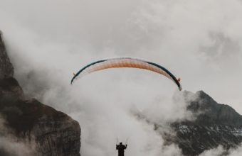 Paraglider Parachute Flying Wallpaper 1440x2560 340x220