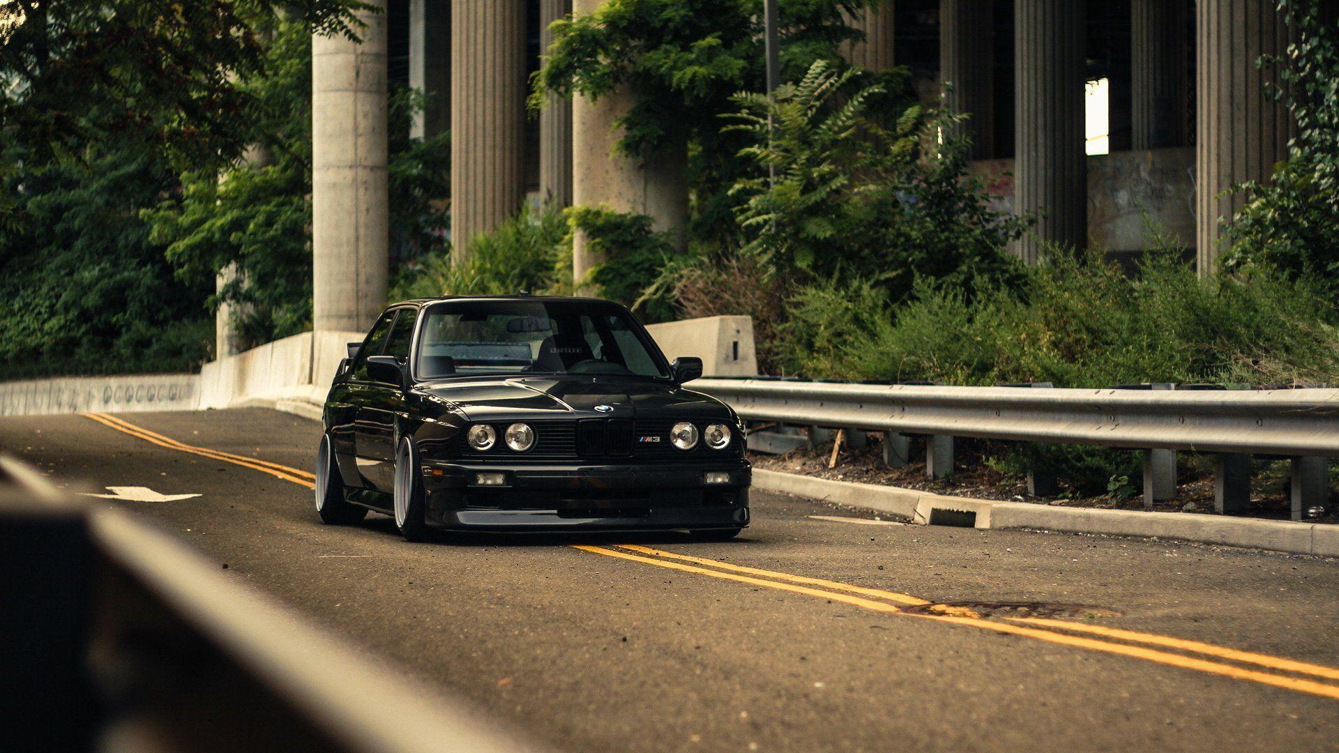 BMW E30 Wallpaper 07
