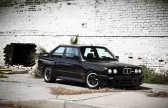 BMW E30 Wallpaper 22 1600x1200 340x220