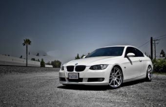 BMW E90 Wallpaper 17 1920x1200 340x220