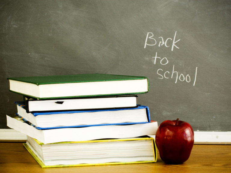 Back To School Wallpaper 05 1050x701 768x576