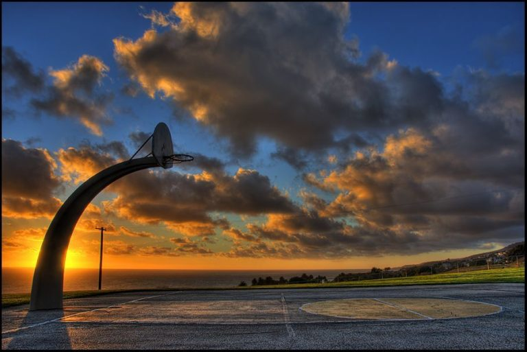 Basketball Court Wallpaper 10 907x606 768x513