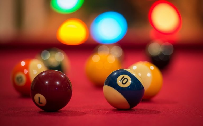 Billiards Wallpaper 05 2560x1600 768x480