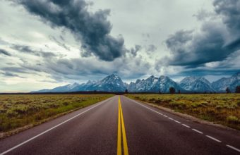 Road Field Horizon Mountains Clouds Sky Wallpaper 1600x1280 340x220