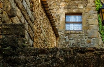 Building Arch Rock Stone House Window 540x960 340x220
