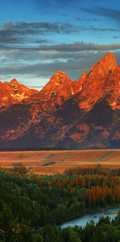 Sun Over The Mountains 720x1440