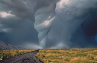 Tornado Wallpaper 04 1600x1200 340x220
