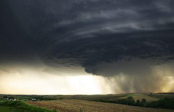 Tornado Wallpaper 13 1680x1050 340x220