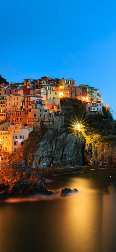 Manarola Night Wallpaper 1125x2436 380x823