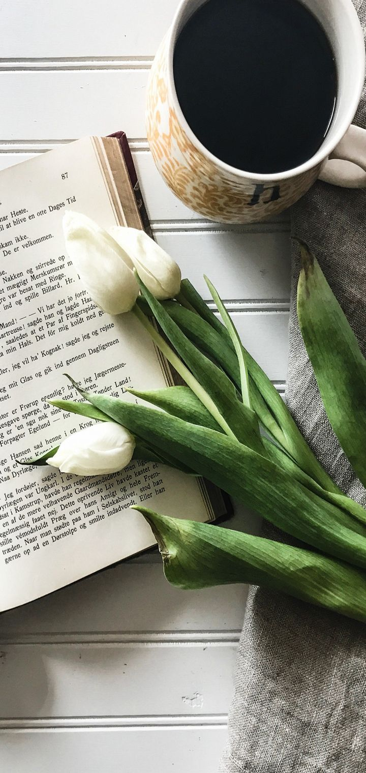 Book Tulips Coffee Wallpaper 720x1520