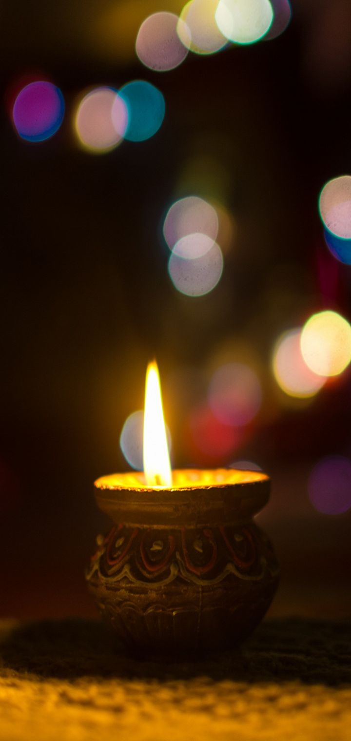 Candle Glare Light Wallpaper 720x1520