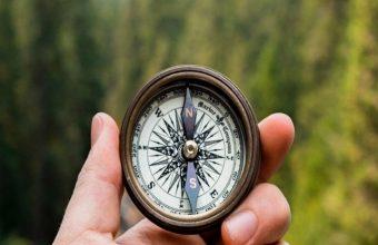 Compass Hand Direction Wallpaper 720x1520 340x220