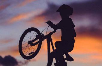 Cyclist Silhouette Sunset Wallpaper 720x1520 340x220
