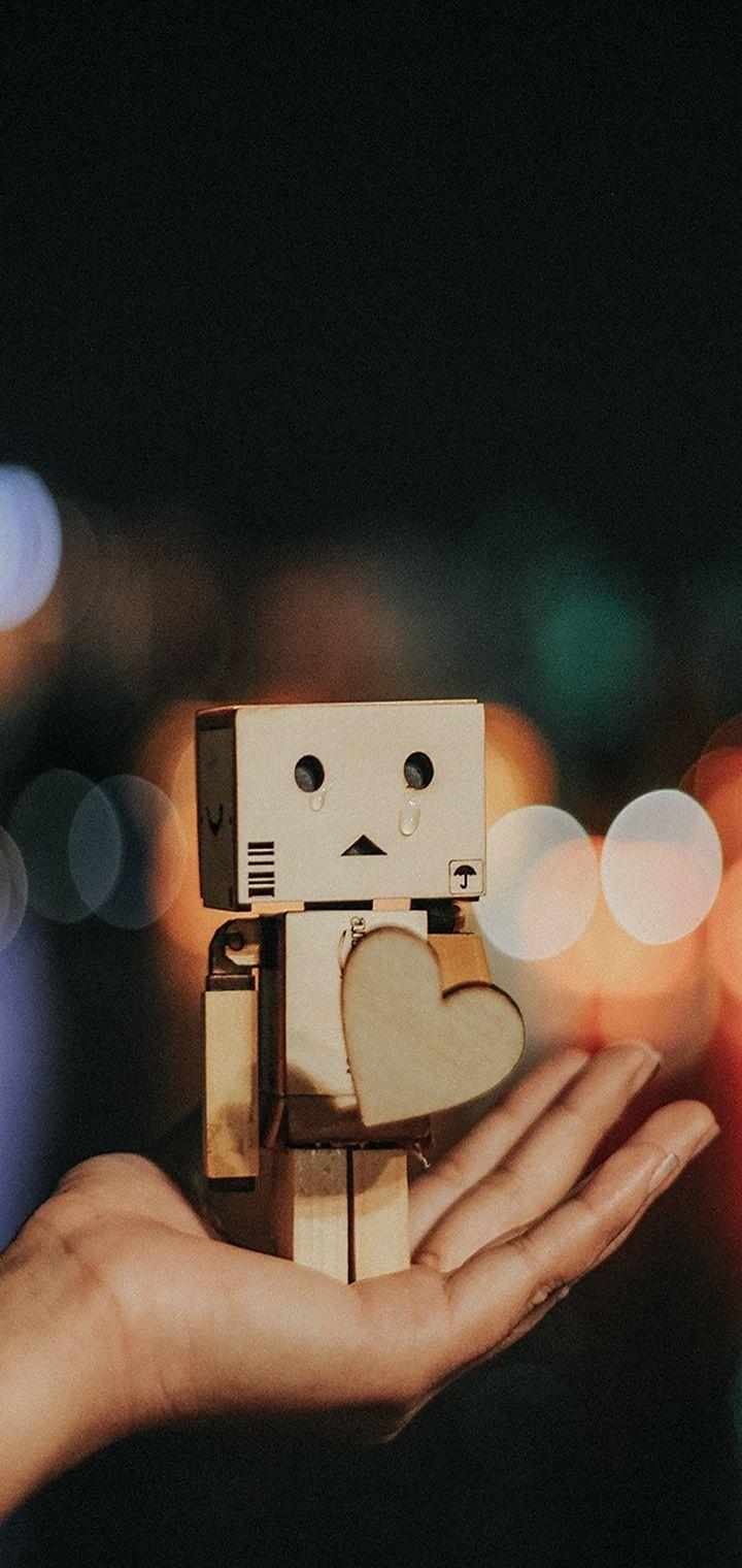 Danbo Cardboard Robot Wallpaper 720x1520
