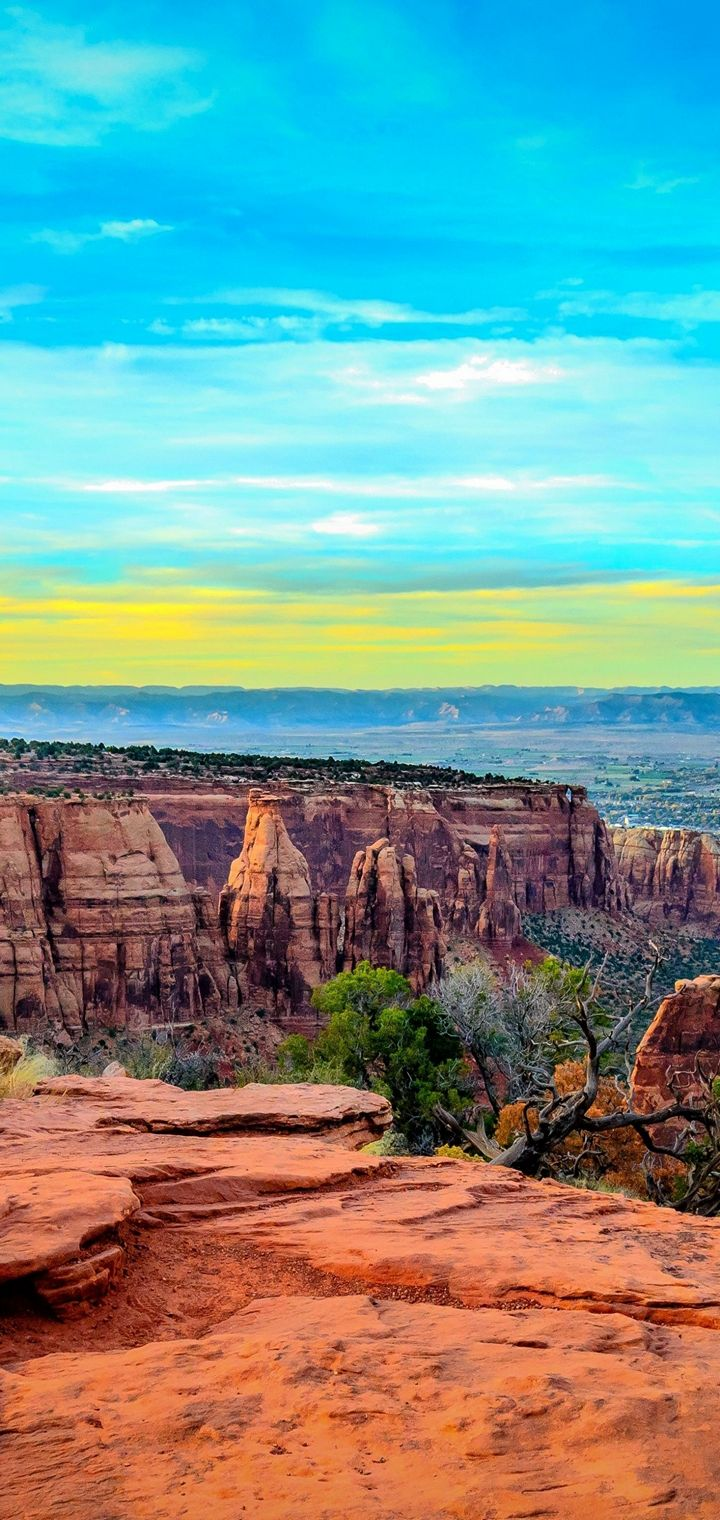 Monument Canyon Colorado Sunset Wallpaper 720x1520