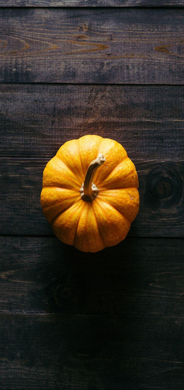 Pumpkin Floor Wooden Shadow Wallpaper 720x1520