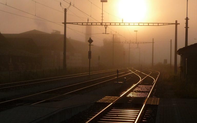 Railroad Wallpaper 04