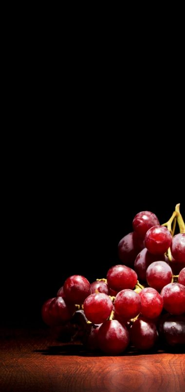 Red Grapes Wallpaper 720x1520 380x802