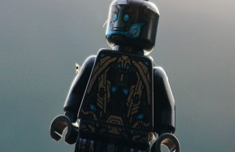 Robot Toy Close Up Wallpaper 720x1520 340x220