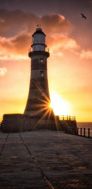 Roker Lighthouse Wallpaper 720x1480 380x781