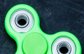 Spinner Blades Lobed Toy Wallpaper 720x1520 340x220