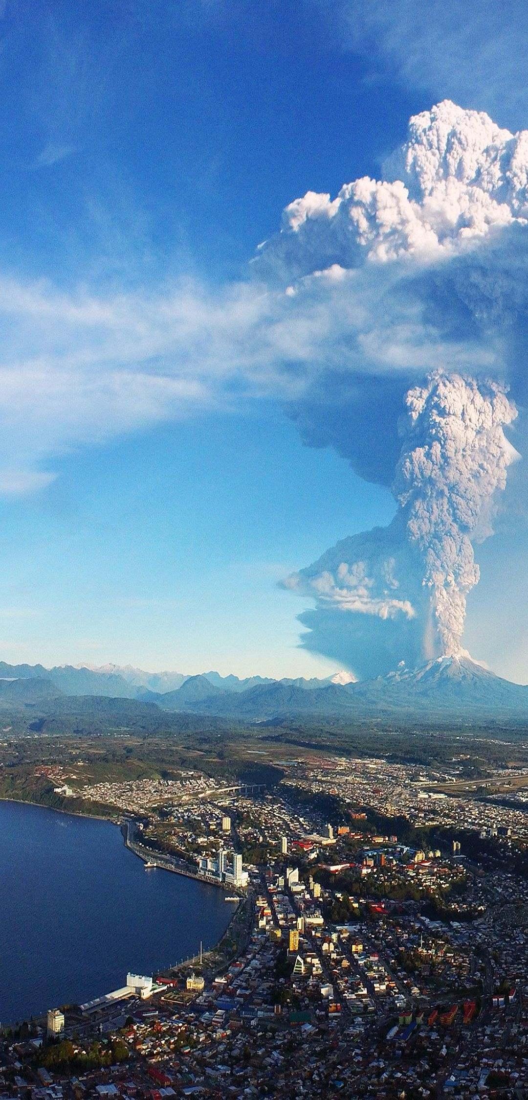 1080×2248 wallpaper: Volcano Wallpaper
