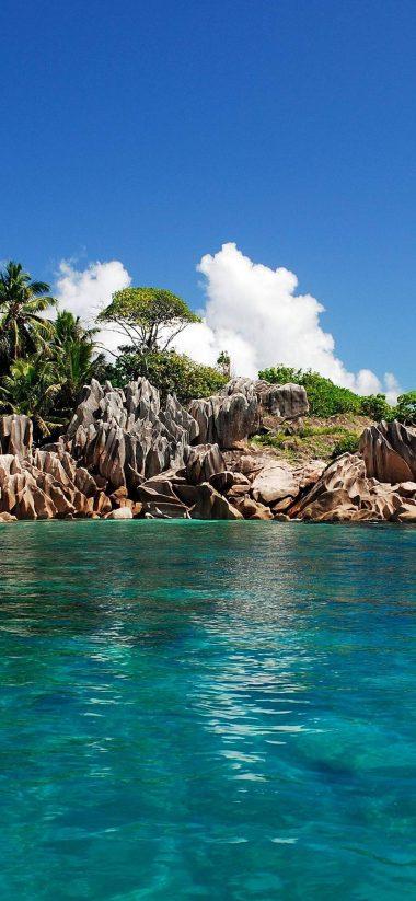 A Small Island 1080x2340 380x823