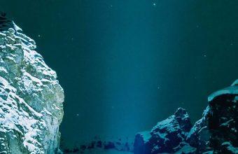 Underwater Snow Wallpaper 1080x2340 340x220