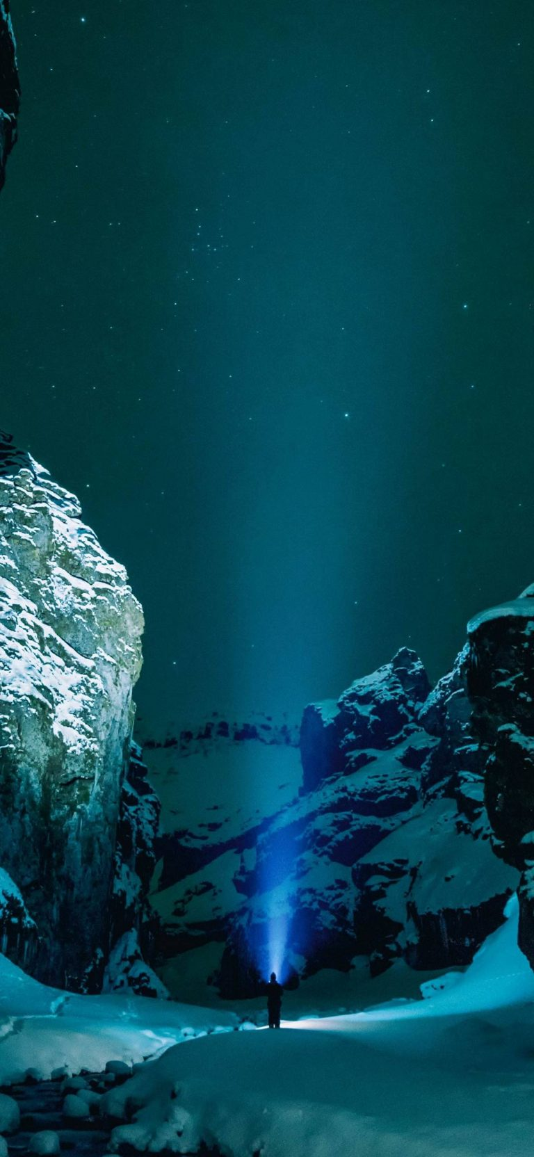 Underwater Snow Wallpaper 1080x2340 768x1664