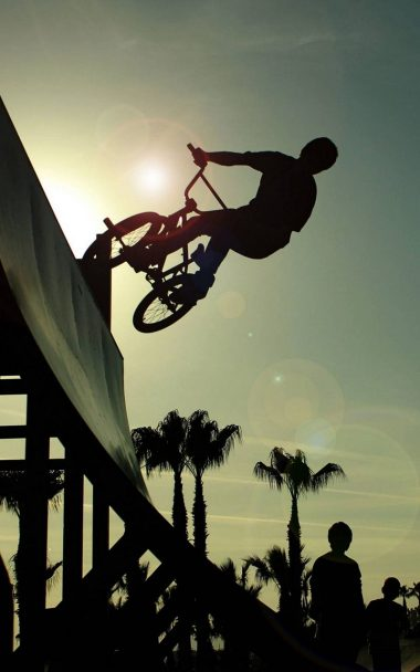 BMX Cycle Jump 800x1280 380x608