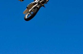 Bike Jump Blue Sky 800x1280 340x220