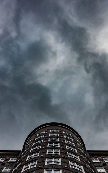 City Building Black Sky 800x1280 380x608