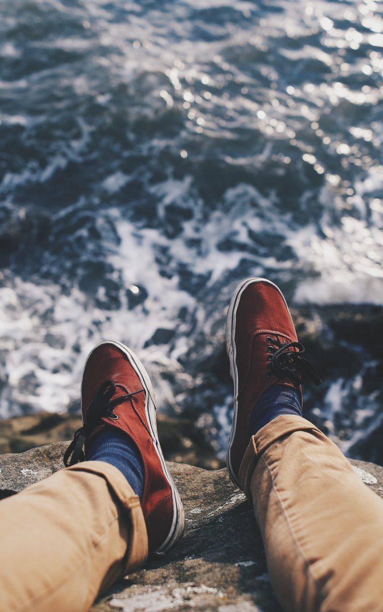 Feet Sea Waves Vacation 800x1280 768x1229