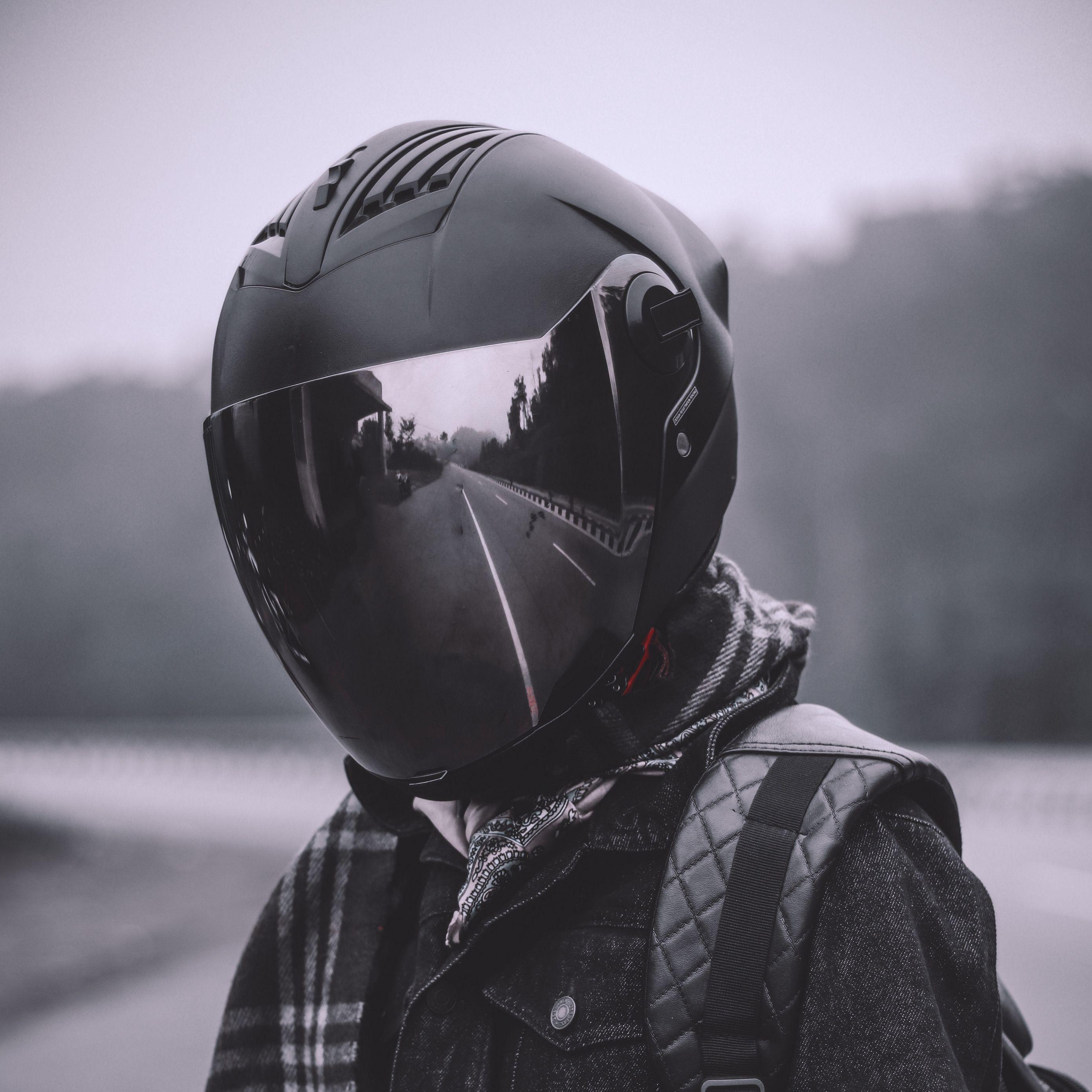 чувак в шлеме фото дизайнеры имеют многолетний