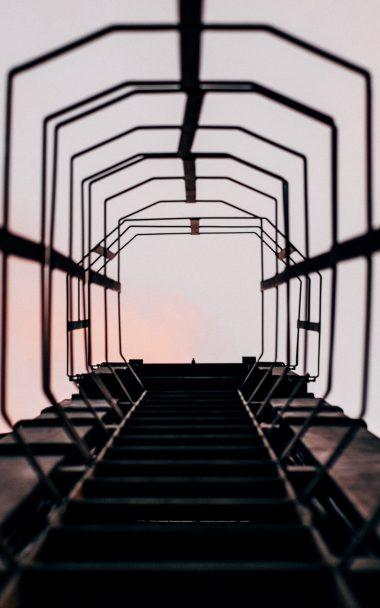 Ladder Climb Sky 800x1280 380x608
