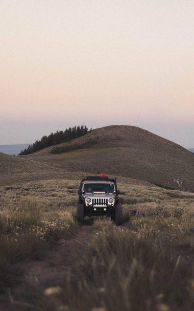 SUV Mountain Car 800x1280 380x608