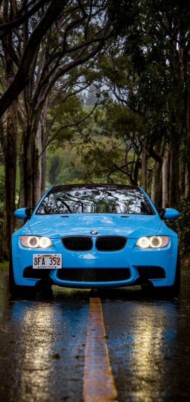 Blue BMW 5 Car Wallpaper 1440x3040 380x802