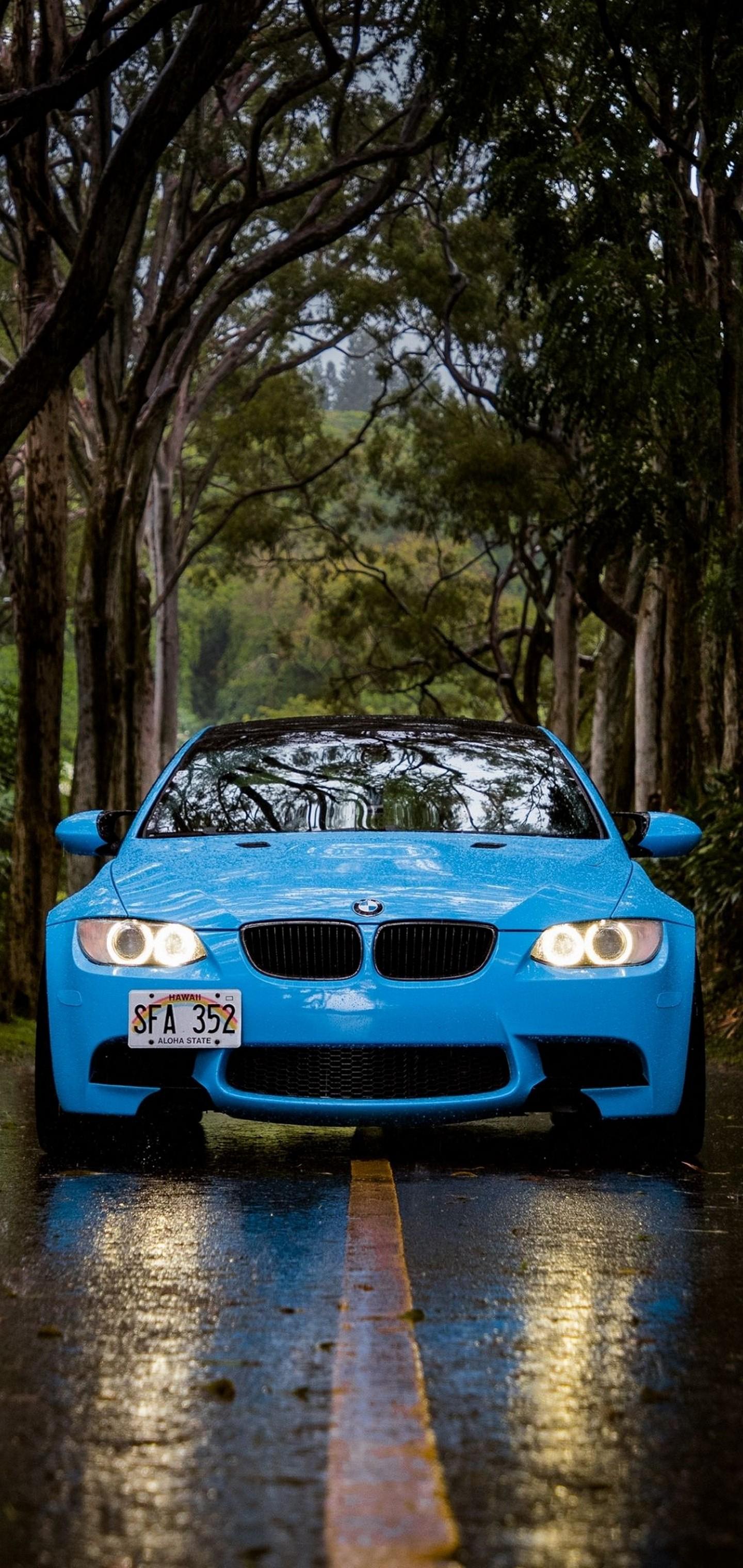 Car Wallpaper Windows 7: Blue BMW 5 Car Wallpaper
