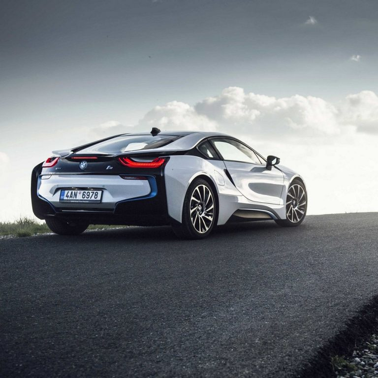 Bmw I8 Rear View Road Wallpaper 1024x1024 768x768
