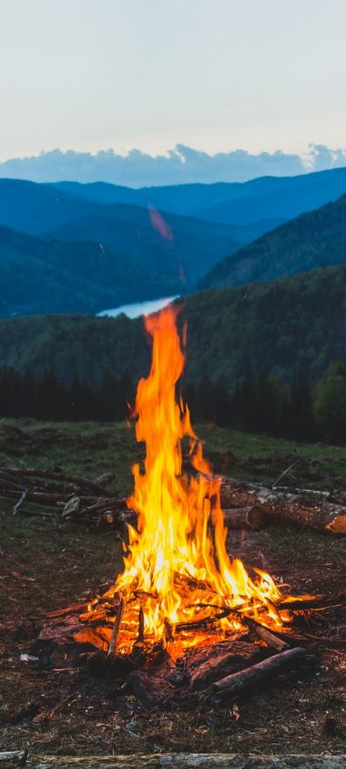 FireWood Campfire Mountain 1080x2400 380x844