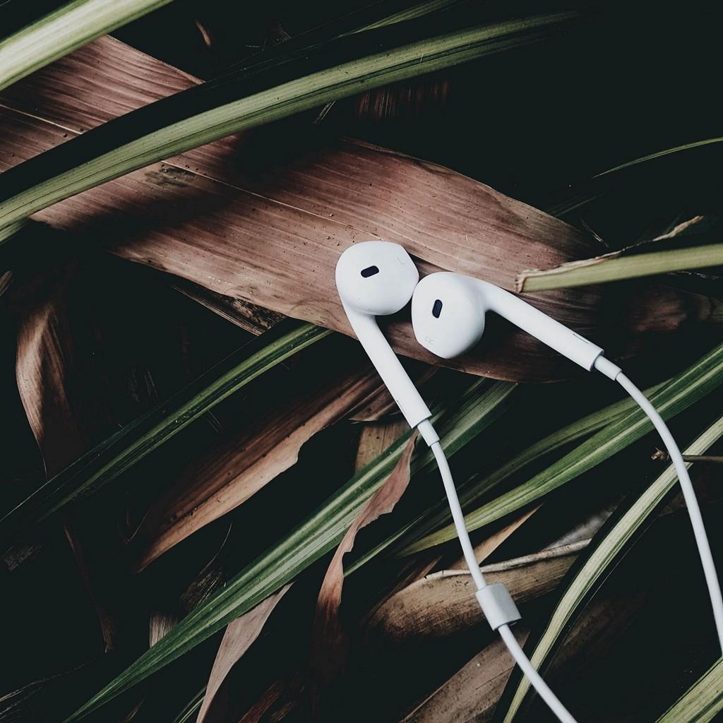 Headphones Music Audio Wallpaper 1024x1024