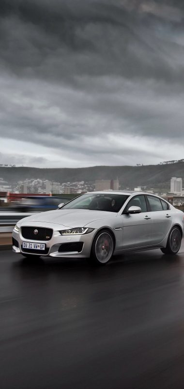 Jaguar Xe S Highway Traffic Speed Wallpaper 1440x3040 380x802