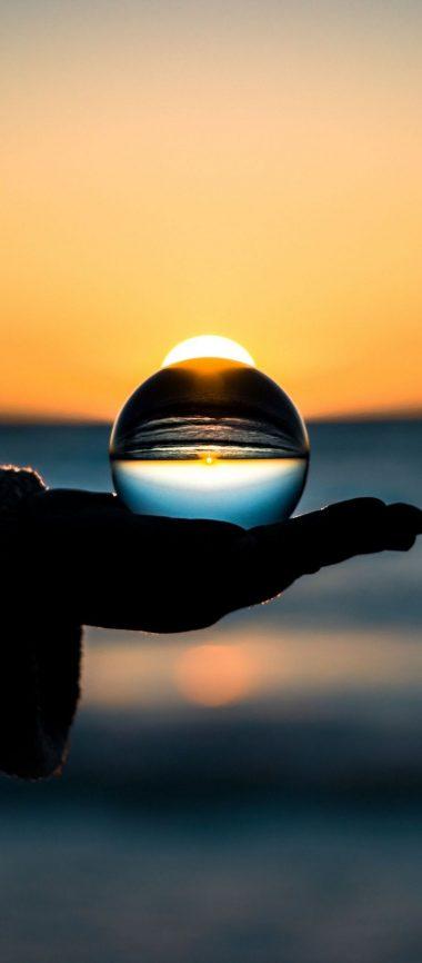 Ball Hand Horizon Glass 1080x2460 380x866