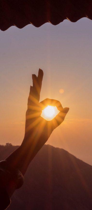 Hand Sun Rays Nature 1080x2460 380x866