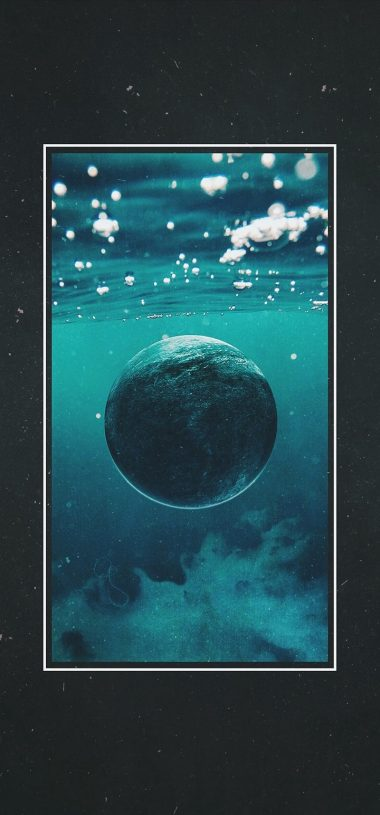 Ball Planet Under Water Wallpaper 720x1544 380x815